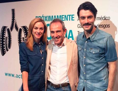 Actúa contra el cáncer de pulmón. Marta Hazas, Bernard Gaspar y Javier Rey