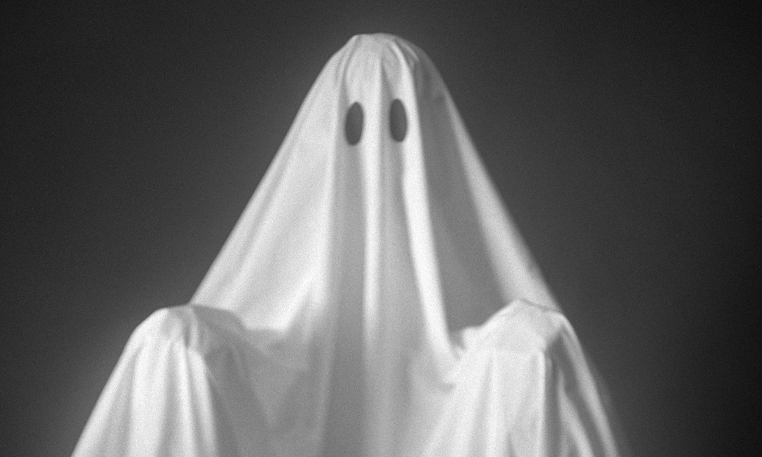 Quítale las sábanas al fantasma